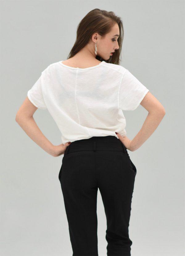 white unisex t-shirt urban style